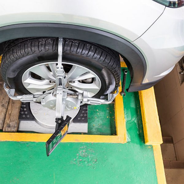 4-things-that-know-your-wheels-out-of-alignment