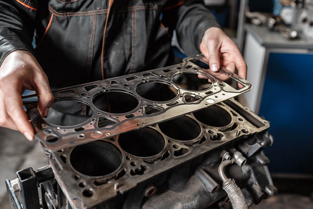 4 Reasons Why Your Engine Is Losing Oil